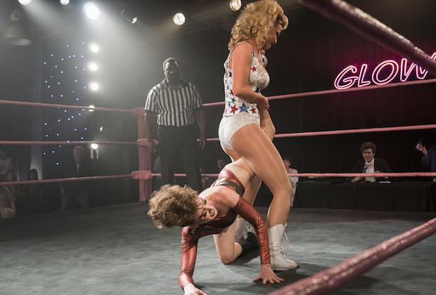 Glow 2: las mejores luchas están detrás del ring