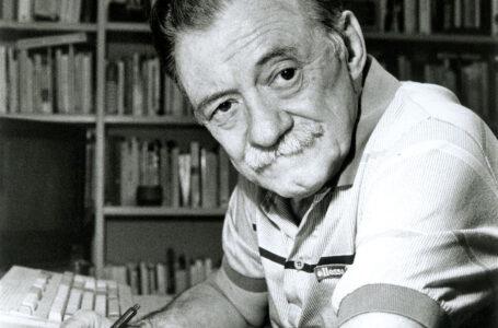 """Benedetti es un poeta necesario"""